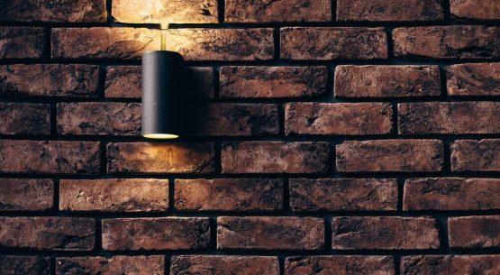 do outside lights deter burglars